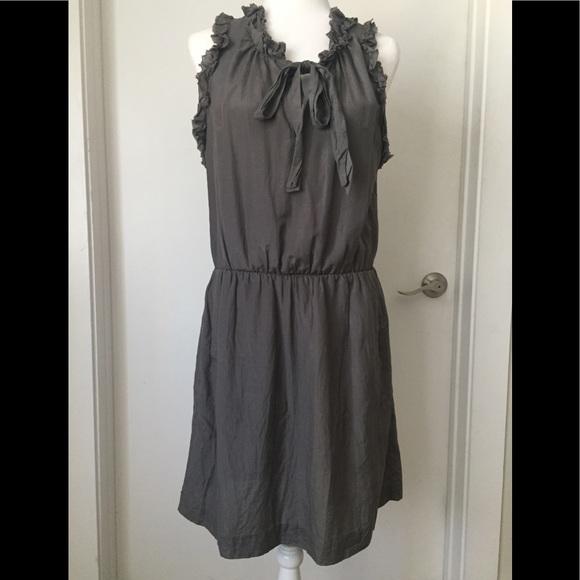 GAP Dresses & Skirts - GAP Ruffled Tied Midi Dress